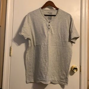Old navy men's grey tee with button detail